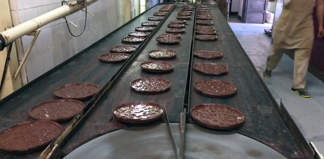 Pérez Chocolate Museum and factory in Villajoyosa, a great plan during your holidays in Valencia.