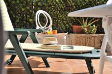 Summer holidays apartments and chalets in Valencia (Spain): Port Saplaya apartment.