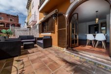 Summer holidays apartments and chalets in Valencia (Spain): Port Saplaya.