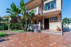 Summer holidays apartments and chalets in Valencia (Spain): Villa Benicàssim.